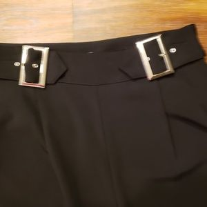 Blk cropped belted pants